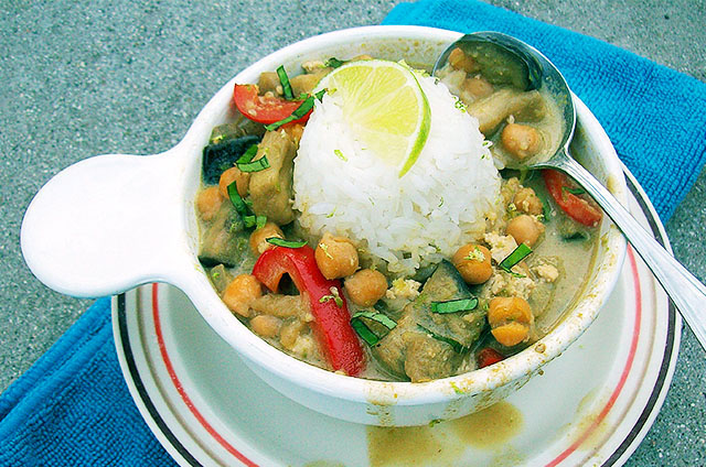 Vegan Green Curry with Eggplant